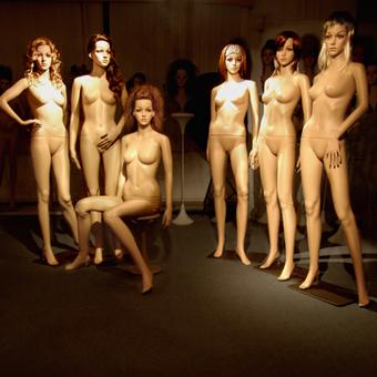 All_6_Plastic_Mannequins