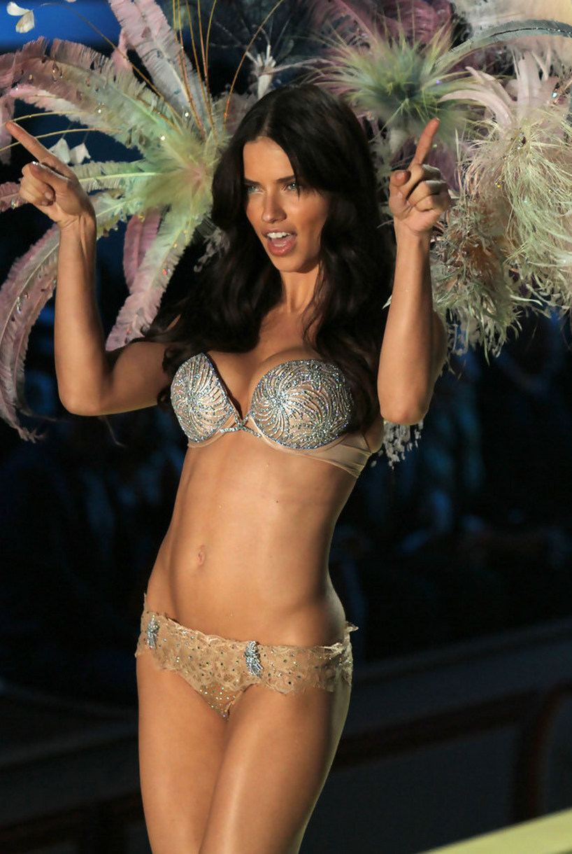 e8e3b843c37 Why Victoria s Secret can be a  1 Body-Love Enemy (and It s Not Just ...